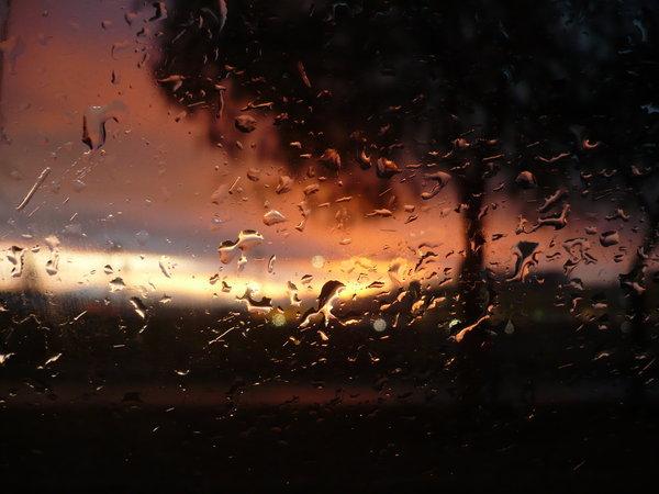 atardeceres-con-lluvia-ventana