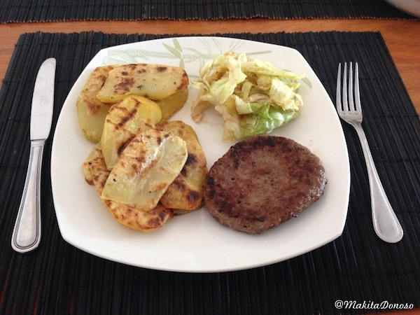 Cocina_PapasConHamburguesa_makitaDonoso